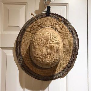 Tommy Bahama beach hat